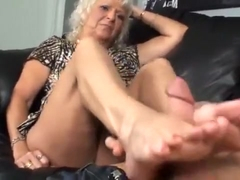 my stepmom first footjob