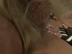 Anita Hengher and Bianca Arden rub each other wet cunt