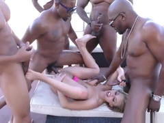 BRITNEY AMBER - FUCK FIVE BLACK MEN