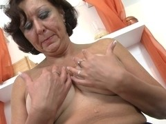 Real Granny playing with her old juicy love tunnel
