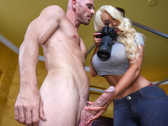 Nicolette Shea & Johnny Sins in Private Dick - BrazzersNetwork