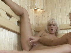 Sexy blonde women are great at muff diving