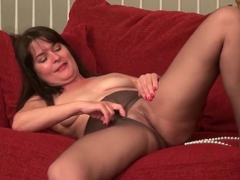 American Milfs Lani Lee And Kelli Fuck A Dildo