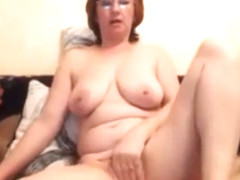 Chubby pussy slapping, fingering MILF.mp4