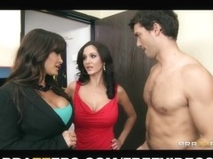 Large-tit dark brown mother I'd like to fuck Lisa Ann shares large-penis with Ava Adda