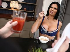 Jasmine Jae & Danny D in Boning The Butler - BrazzersNetwork