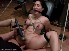 Jessica Bangkok  Derrick Pierce in The Fitness Instructor - SexAndSubmission