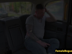 juggs english cabbie cockriding on backseat