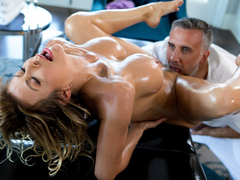 Alexis Fawx & Keiran Lee in A Treat For Her Feet - BrazzersNetwork