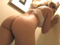 Sexy girl farting loudly