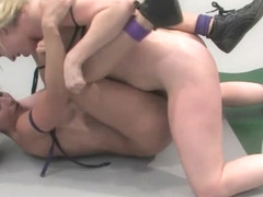 Adrianna Nicole 'the Adrianaconda'  (2-0) Vs Wenona 'the Gymnast'(5-5) - Publicdisgrace