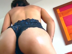 Santa Latina - Hot Colombian Teen Gets A Messy Facial