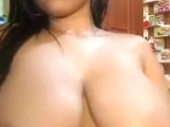 amateur verronikka18 flashing boobs on live webcam