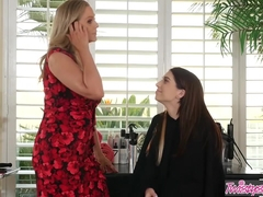 Mom Knows Best - Joseline Kelly Julia Ann - Hairdressers Do It With Style - Twistys