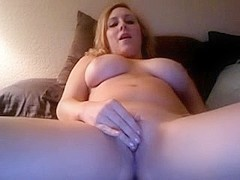 Masturbating my cunt on sex tape