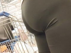 Juicy  big butts matue milfs in tight lycra