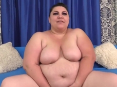 Bbw Bella Bendz Plays With Her Fat Pussy Before Fucking