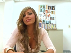 Stunning blonde Esperanza Gomez gives a blowjob in office