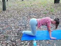 Sexy Rina Di wetting yoga pants in a park (1080p quality)