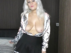 All natural babe Lycia with big tits and downblouse dancing