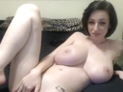 amateur cottontailmonroe flashing boobs on live webcam
