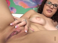Spicy Latina Babe Gives Good Interview