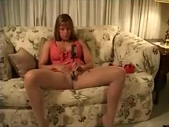 Milf gets a cosmetic and cums together with her dildo