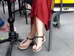 candid sexy playful feets hot toes in sandals