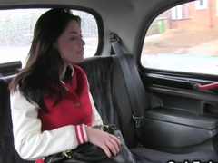 Big ass British beauty bangs in cab