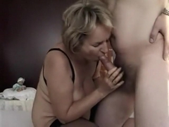 Mature gets cunt fucked by young guy