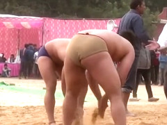 Hot Mud Wrestling Men: Love the Dark Men!