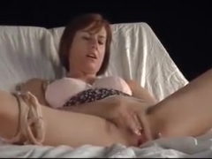 Mature Masturabates to Orgasm