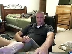 Lovely BF is having fun in a small room and memorializing himself on computer webcam
