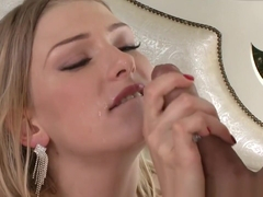 Cocksucking Babe Gets Double Cuminmouth