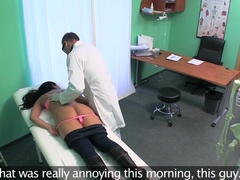 Fake Hospital Doctors cock pleases patient