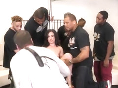 BlacksOnBlondes behind the scenes -jennifer white
