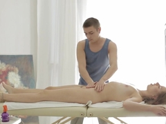 Hot massage fuck for a new girl