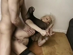 Fist anal pour mature